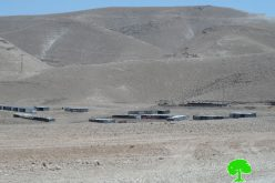 Israeli Occupation Forces confiscate water tanks and mobile toilets in Sateh Al-Bahar area