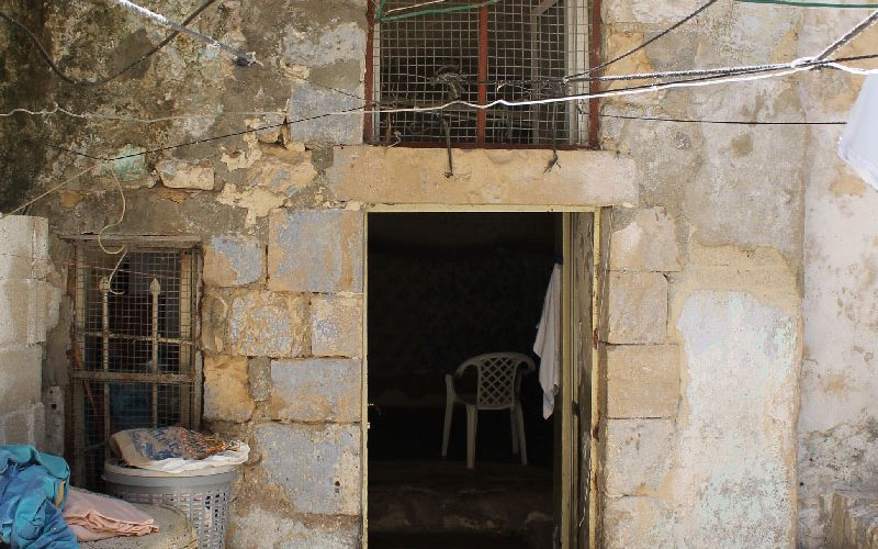 المستوطنون يستولون على عقار في باب حطة داخل البلدة القديمة يعود لعائلة نعاجي وتستأجره عائلة البكري  بحجة ملكيته لهم