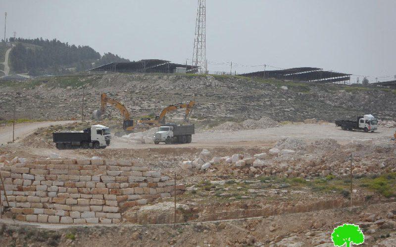 """مخطط استعماري جديد لتوسعة مستعمرة """" كرمئيل"""" على حساب أراضي قرية أم الخير"""