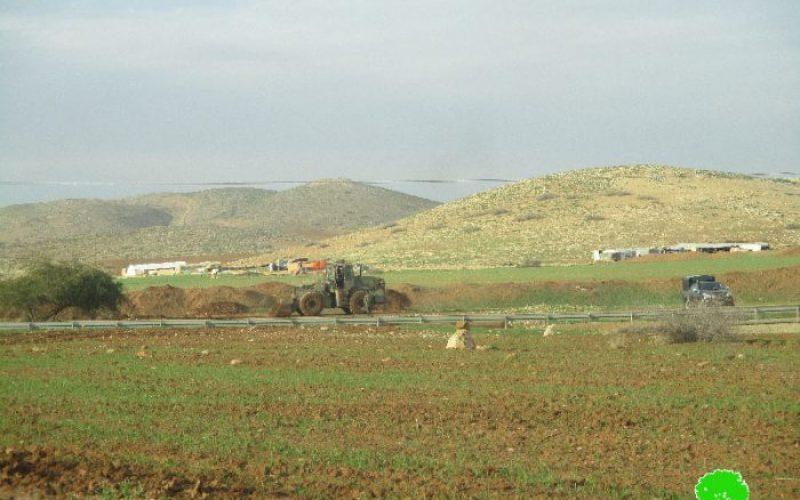 هدم طريق زراعي في خربة الحديدية