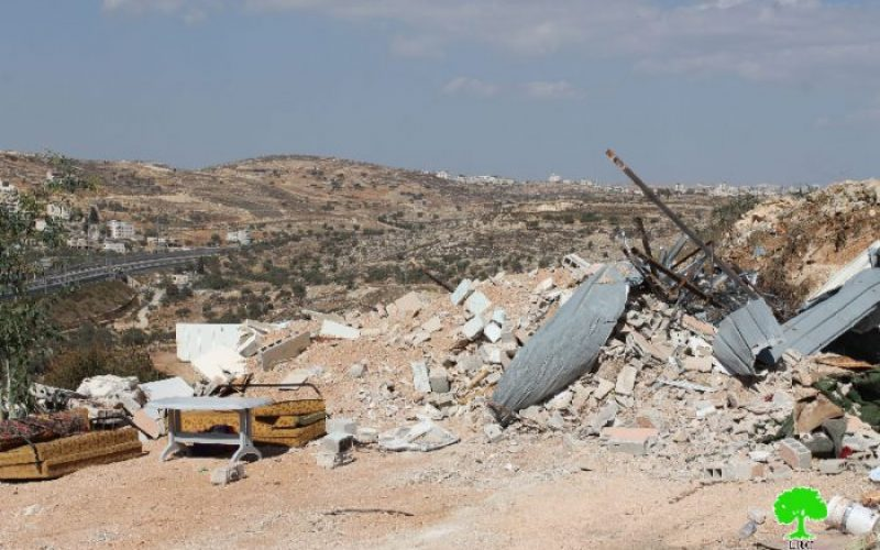 Dozers of Israel Municipality demolish 3 residences in Beit Hanina