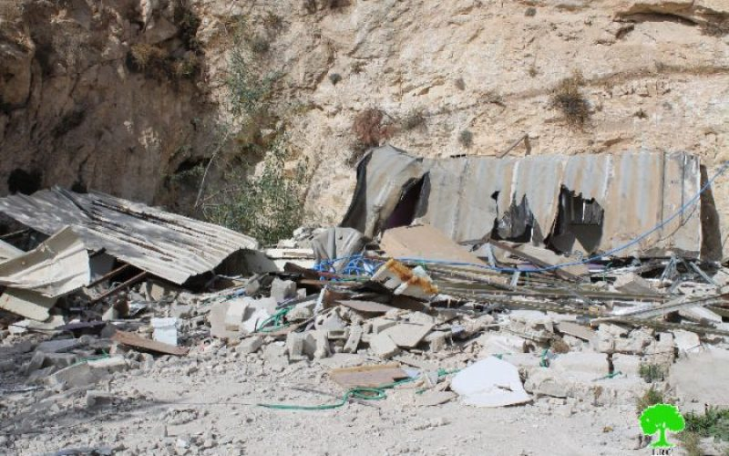 Two Jerusalemites self-demolish their apartments in the village of Jabal Al-Mukabir in Jerusalem