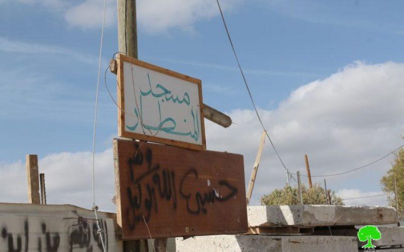 بلدية الاحتلال تهدم أساسات مسجد المنظار (ام القرى) في واد الحمص الكائن في صور باهر بحجة البناء بدون ترخيص