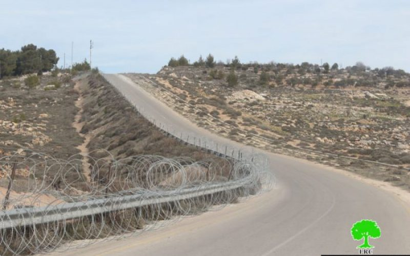 Israeli Occupation Forces fence lands nearby Efrat colony in Bethlehem