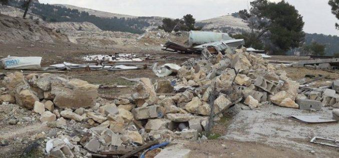 Israeli Occupation Forces demolish structures in Al-Eizariya town