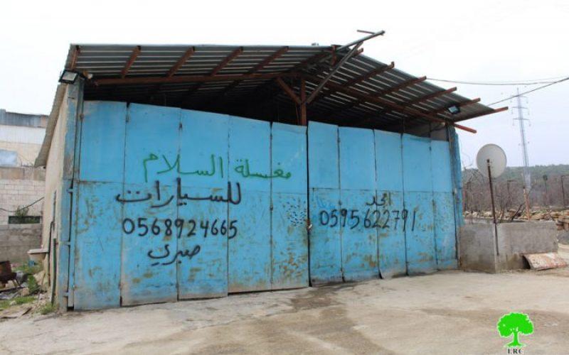 الاحتلال يصادر مضخة محروقات ويغلق منشأة تجارية في بيت أمر