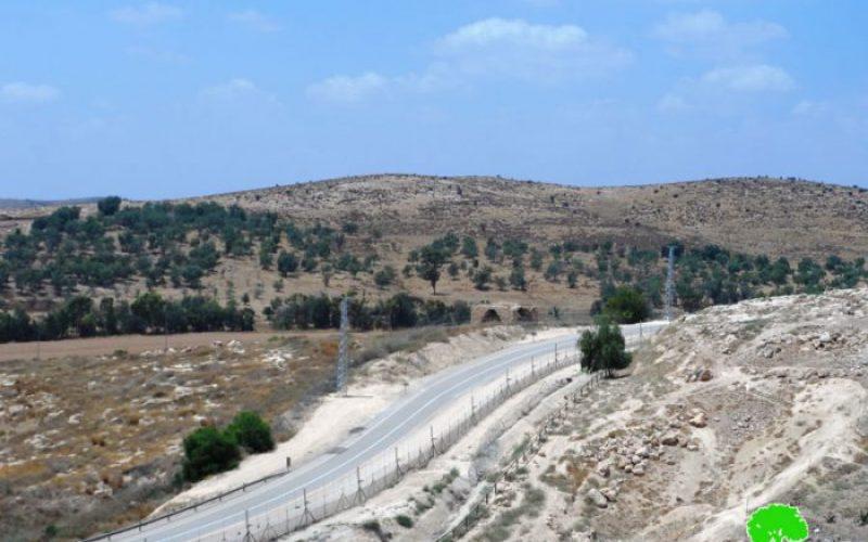 الاحتلال يقيم جداراً جديداً غرب محافظة الخليل