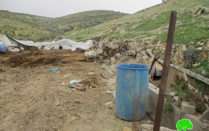 هدم بركسات وحظائر زراعية في منطقة الأغوار الشمالية
