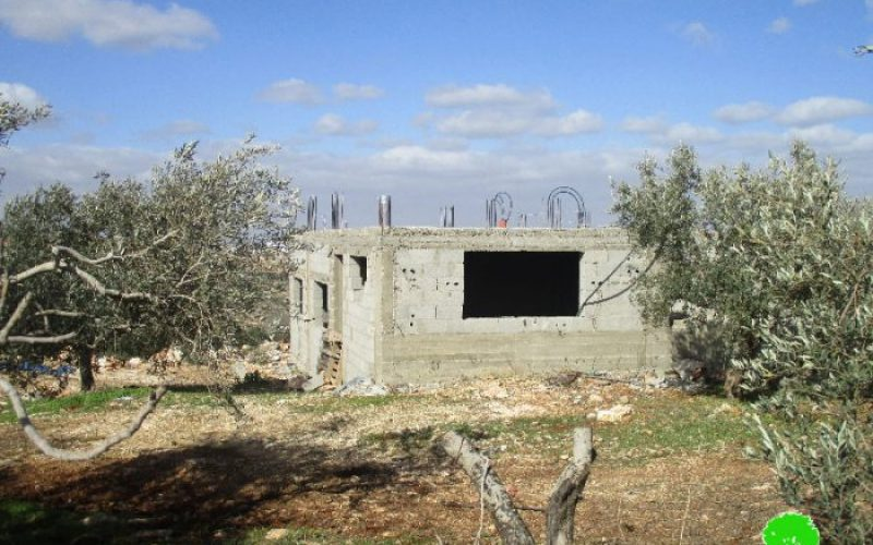 Israeli Occupation Forces notify residences of stop-work in the Salfit town of Kfar Ad-Dik
