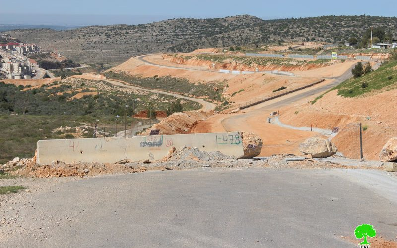 Israeli Occupation Forces close agricultural road in Bethlehem village of Husan