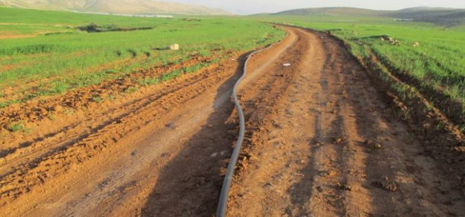 Israeli Occupation Forces demolish water supply pipelines in Sahel Al-Bikai'a area