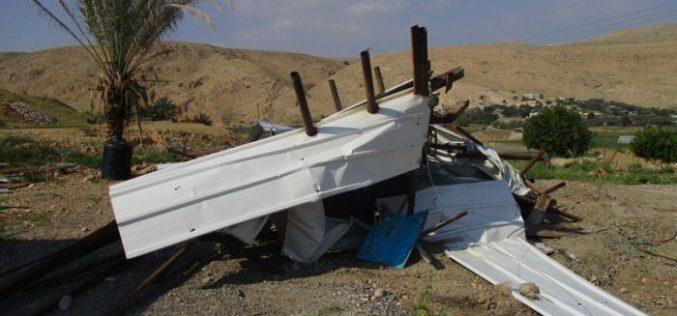 هدم ورشة للحدادة في منطقة الجفتلك بمحافظة أريحا