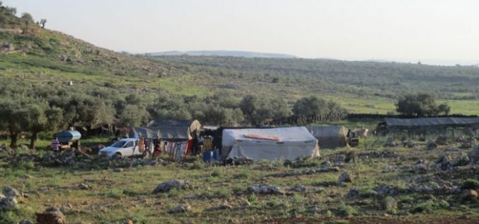 Israeli Occupation Forces notify Rantis village structures of demolition