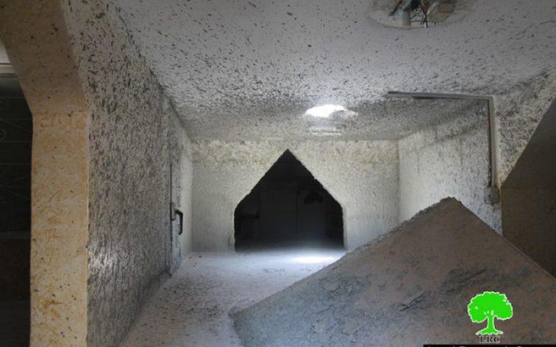 اغلاق مسكن عائلة الشهيد فادي القنبر في جبل المكبر ضمن سياسة العقاب الجماعي