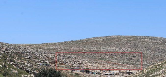 الاحتلال يشرع بشق طريق استعماري غرب بلدة تفوح