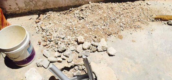 الاحتلال يخرب منزلاً في بلدة دورا جنوب الخليل