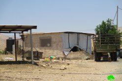 إخطارات بوقف البناء لمنشآت سكنية في منطقة الأغوار الوسطى