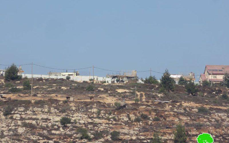 """اعمال توسعة تشهدها البؤرة الاستعمارية """" هيوفال"""" على أراض قرية قريوت / نابلس"""