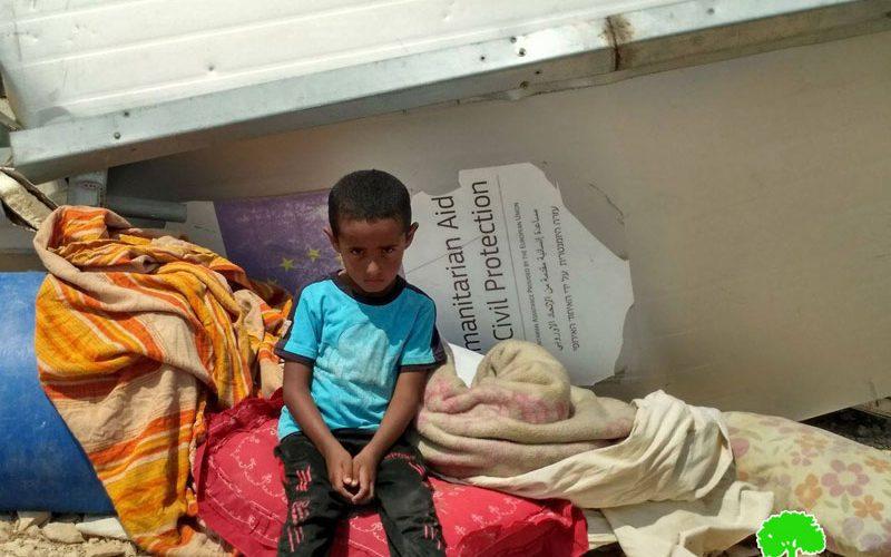 الاحتلال يهدم 4 منشآت في خشم الدرج شرق يطا