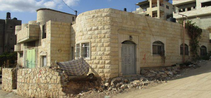 الاحتلال الاسرائيلي يعلن نيته هدم منزل في بلدة قباطية / محافظة جنين