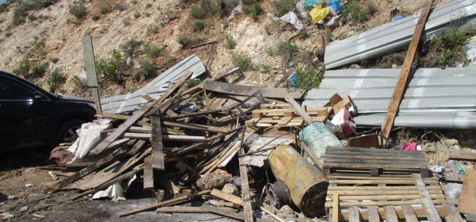 تدمير منشأة لإنتاج الفحم في قرية النصارية شرق نابلس
