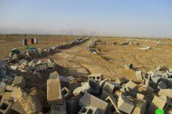 هدم منزلين وجدران استنادية وبئر للمياه في بلدة العوجا بمحافظة أريحا