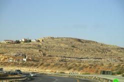 """الشروع بإقامة سياج عازل في محيط مستعمرة """" عوفاريم"""" على حساب الأراضي الفلسطينية / محافظة رام الله"""