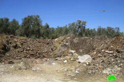 اغلاق طريق زراعي شمال بلدة عزون بمحافظة قلقيلية