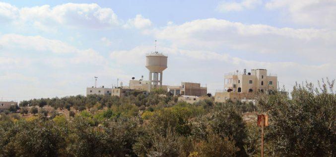 إخطار بوقف العمل في شبكة مياه شرق بلدة يطا بمحافظة الخليل