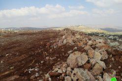 هدم جدران استنادية وإغلاق الطريق المؤدي إلى مكب النفايات في بلدة قصرة