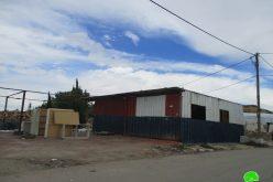 إخطارات بوقف البناء لمنشآت حرفية ومبنى سكني في قرية حارس / محافظة سلفيت