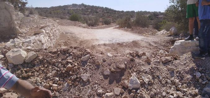 The Israeli Occupation Army closes an agricultural road in Tulkarm governorate