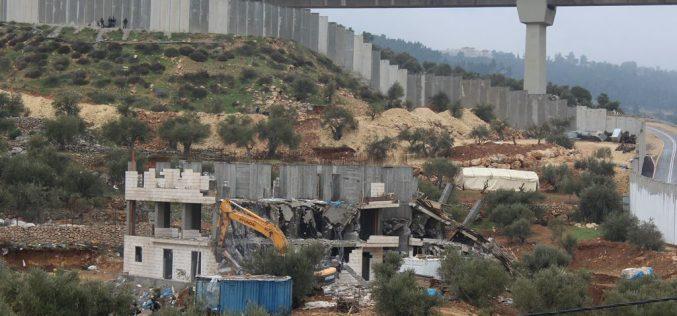 'Under the Guise of Unlicensed Construction',Israel'sJerusalemMunicipality demolished two residential buildingsinBir Onah neighborhood