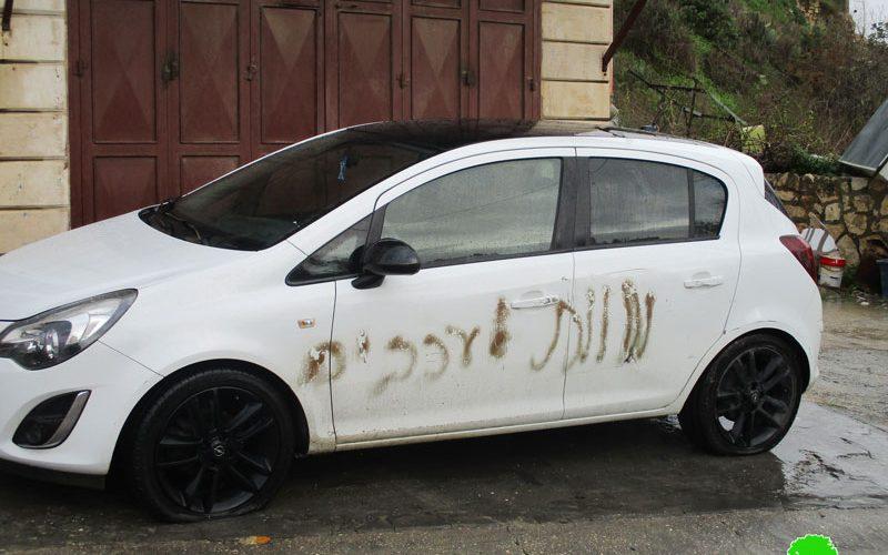 خط شعارات تحريضية على عدد من المركبات الفلسطينية في قرية جيت محافظة قلقيلية