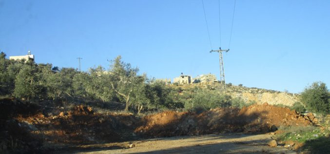 Israeli Occupation Forces seal off the entrance of Osarin village in Nablus