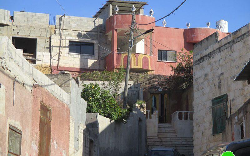 جيش الاحتلال يغلق منزل الأسير يوسف خالد مصطفى كميل بالباطون في بلدة قباطية بجنين