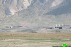 """الإعلان عن البدء لإقامة 50 وحدة سكنية في مستعمرة """" بتسائيل """" على أراضي قرية فصايل / محافظة أريحا"""