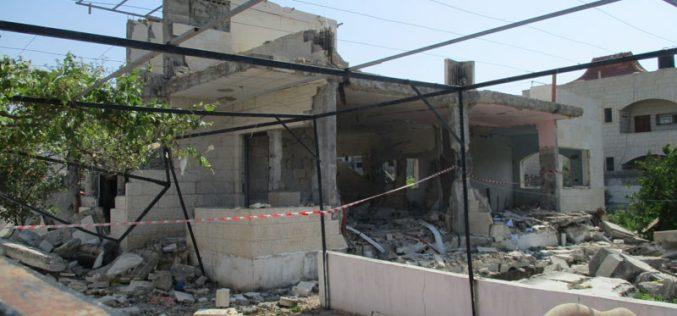 هدم منزل عائلة الأسير احمد جمال محمد قمبع بذريعة الأمن في مدينة جنين
