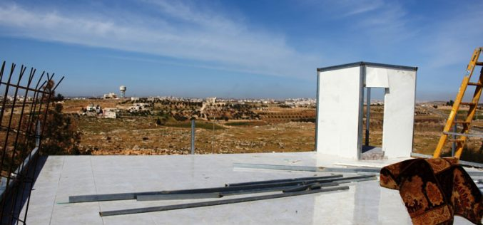 The Israeli occupation demolishes residences and confiscates other in Yatta town