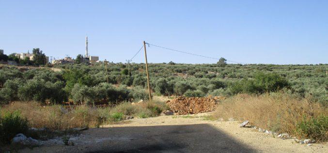 جيش الاحتلال يعيد اغلاق طريق زراعي جنوب بلدة قراوة بني حسان  محافظة سلفيت