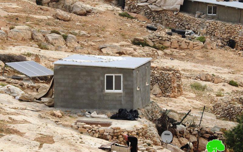 إخطارات بوقف العمل في مساكن بقرية المفقرة شرق يطا محافظة الخليل