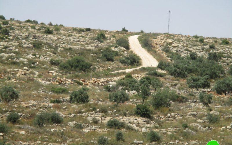 الاحتلال الاسرائيلي يوقف العمل بشق طريق زراعي غرب بلدة دير بلوط  محافظة سلفيت