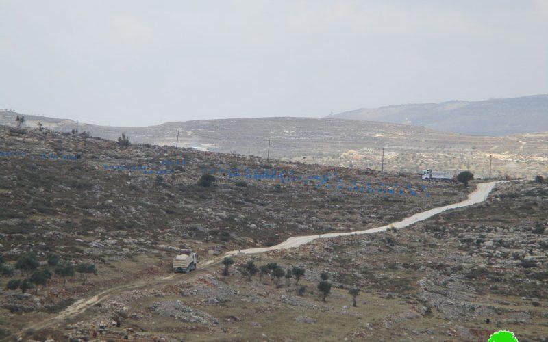 تأهيل طرق زراعية على حساب أراضي قرية ياسوف خدمة لمستعمرة تفوح محافظة سلفيت