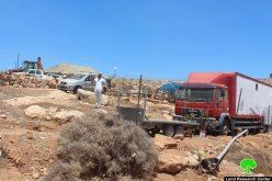 مستعمرون يقيمون بؤرة جديدة في منطقة الحمرا شرق بني نعيم بمحافظة الخليل