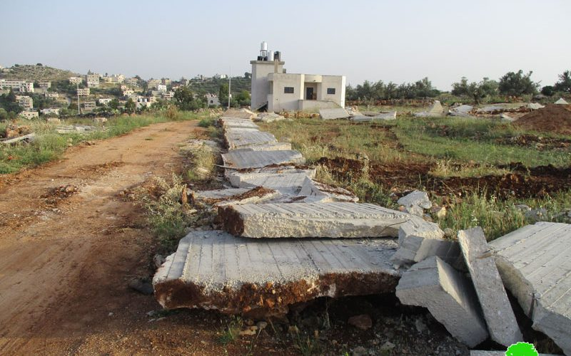 Israeli Occupation Forces ravage lands and demolish structures in the Ramallah village of Shuqba