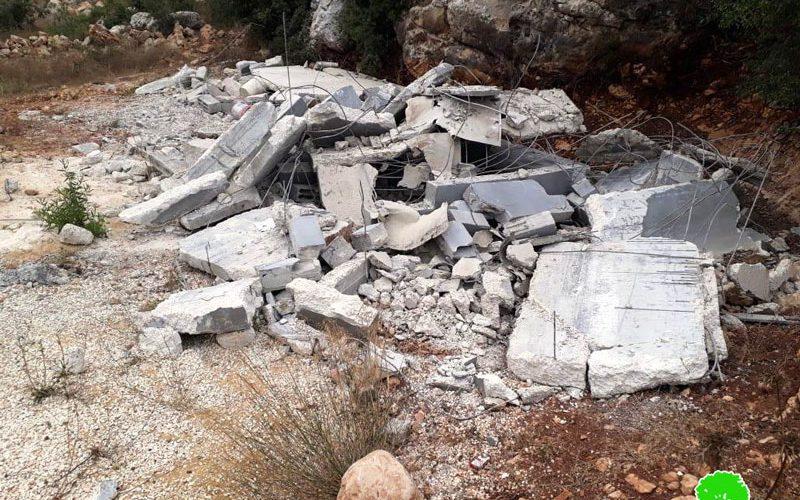 الاحتلال يهدم 12 قبرا في مخيم العروب شمال الخليل