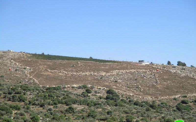 بالتزامن مع ادعاء الاحتلال إخلاء بؤرة  تفوح  الاسرائيلية الاحتلال يشرع بتنفيذ شق طرق التفافية في محيط المنطقة محافظة سلفيت