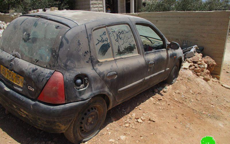 مستعمرون يخطون شعارات تحريضية ويعطبون إطارات عدد من المركبات في قرية المغير / محافظة رام الله