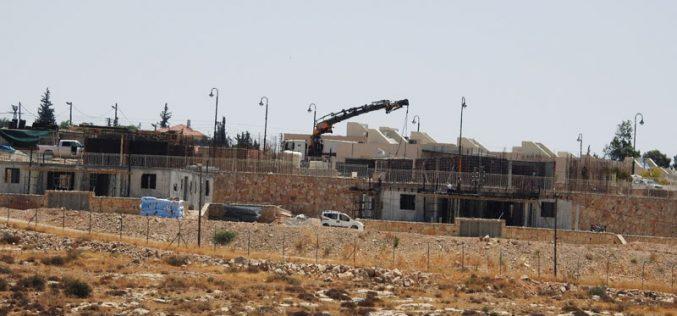 الاحتلال يدمر ويصادر مدرسة خلة الضبع شرق يطا محافظة الخليل