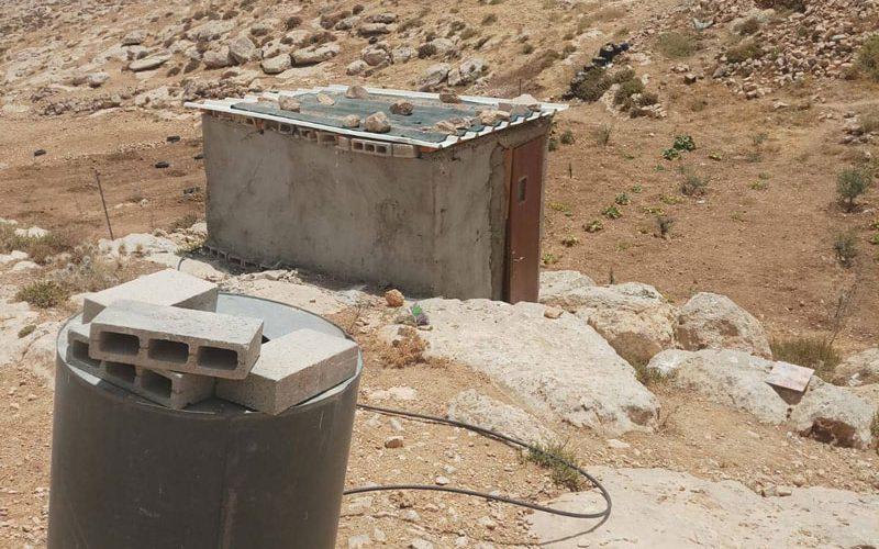 إخطار بوقف العمل في المنشأة الوحيدة بخربة صارورة يطا محافظة الخليل